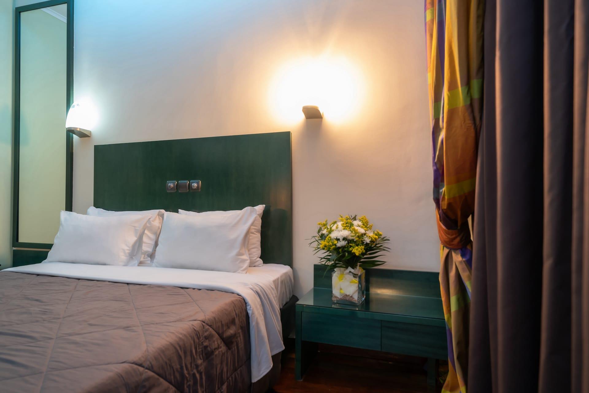 Το Superior room στο Pines Hotel ξενοδοχείο στα Βόρεια Προάστια. €64 η διανυκτέρευση.